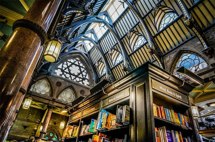 Waterstones Bradford Wool Exchange interior