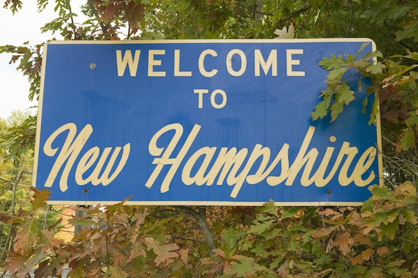 New Hampshire sign (© spirit of America/Shutterstock.com)